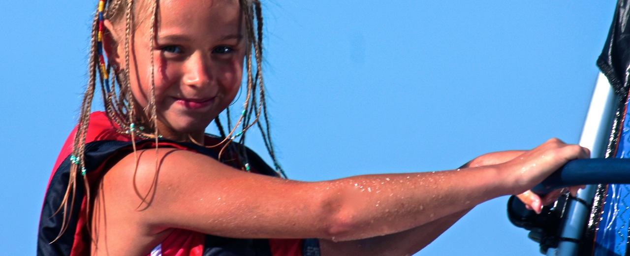 windsurfing nakoloniach wodnych