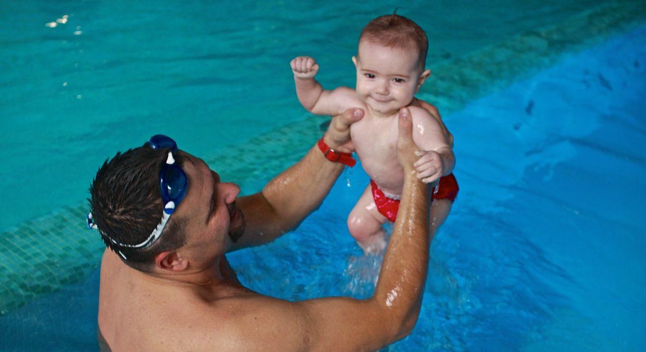 nauka pływania niemowlaków Grupa Wodna Elbląg