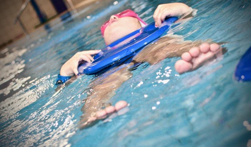 szkółka pływania nauka pływanie dla dzieci grupa wodna elbląg