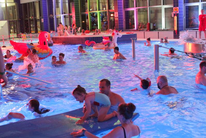 Grupa wodna Noc nadolince instruktorzy nauka pływania
